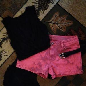 Super cute distressed DL1961 Stella denim shorts.